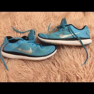 Nike Flex girls Size 3